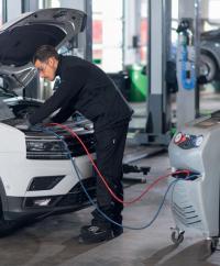 Nouveau, profitez de votre recharge de clim chez 100% pneus.