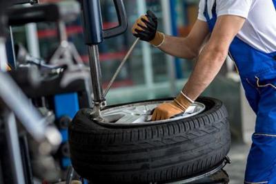 Réparation de pneu près de Blainville-Crevon